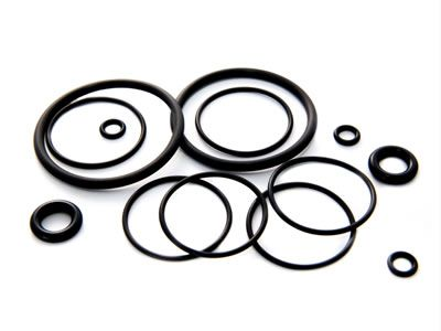 There are several rubber o rings, they have different diameters.