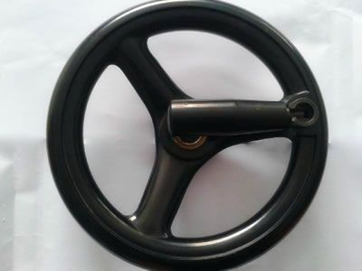 There is one black phenolic handwheel with folding wheel.
